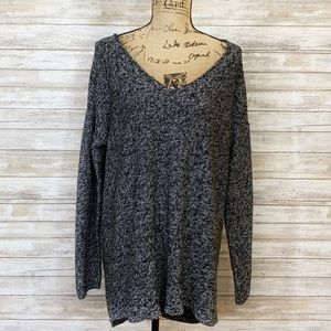 Old Navy V-neck Black and White Sweater Size XL